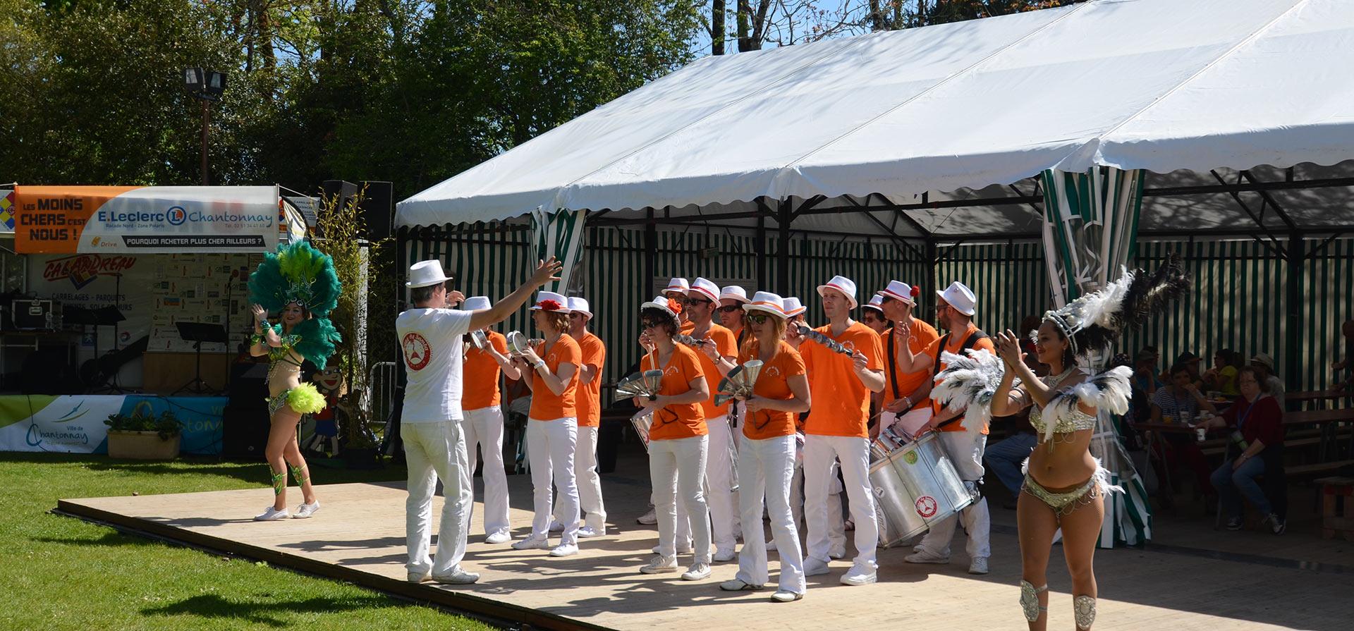 Musiciens de chantonnay lors de l'inauguration des 4 jours randonnées